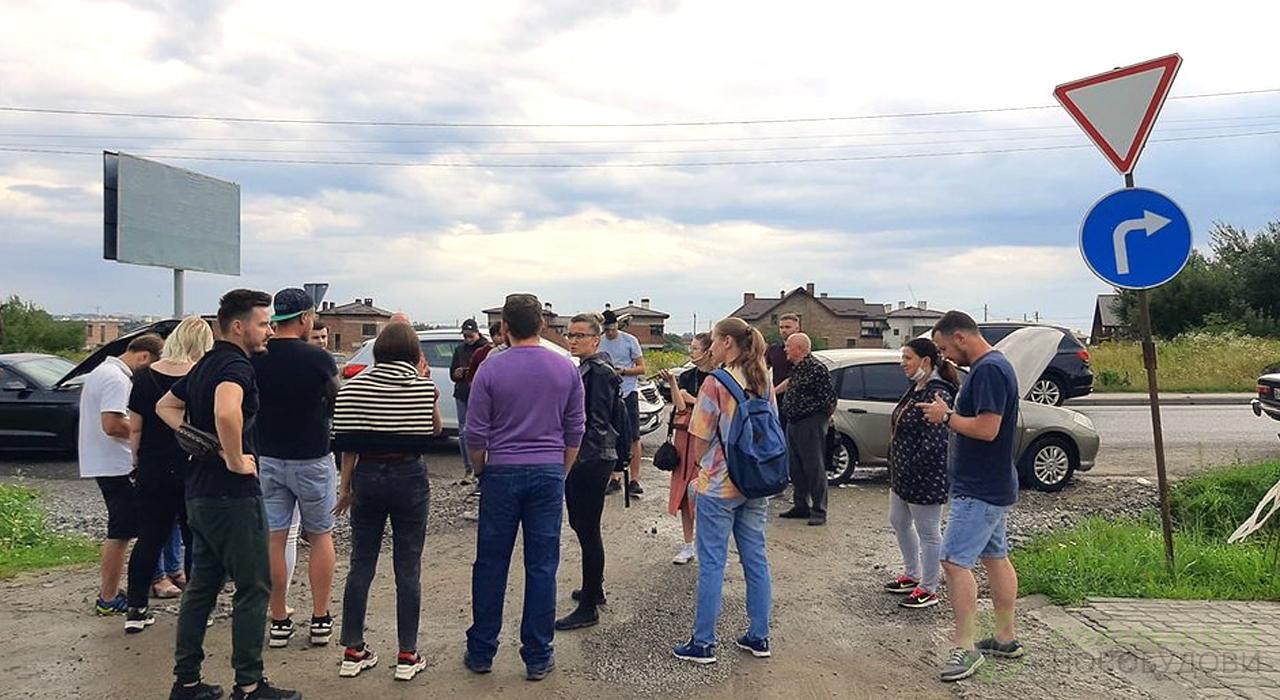 Мешканці новобудов у Сокільниках під час протесту